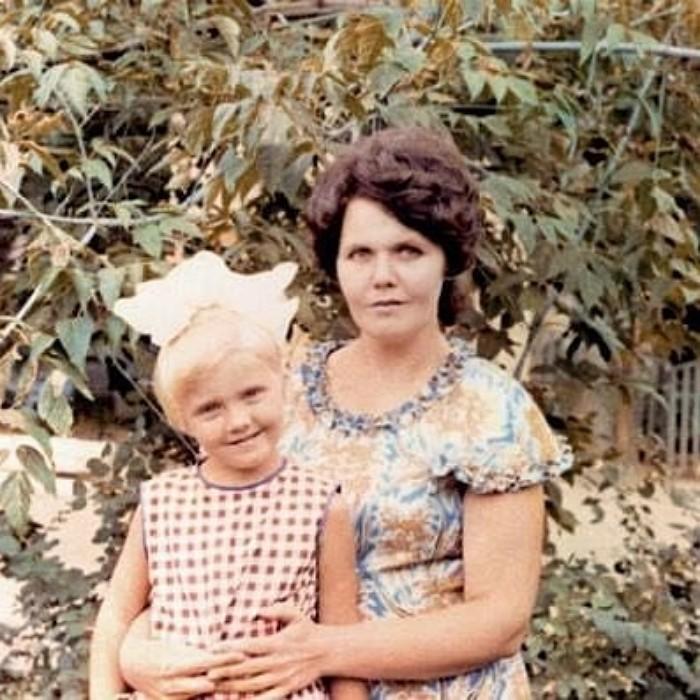 Маленькая Валерия с мамой