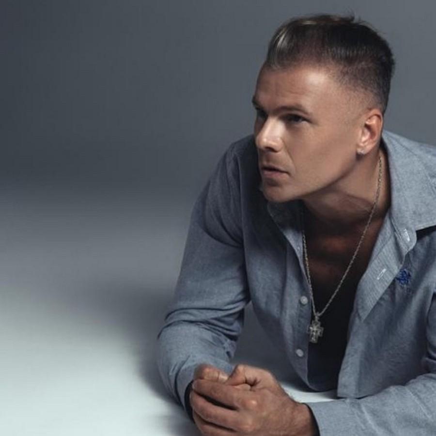 Константин Легостаев и Ева Польна выпустили новую версию песни «Ждать и петь»