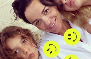 Певица Слава показала утреннее фото с дочерьми без макияжа