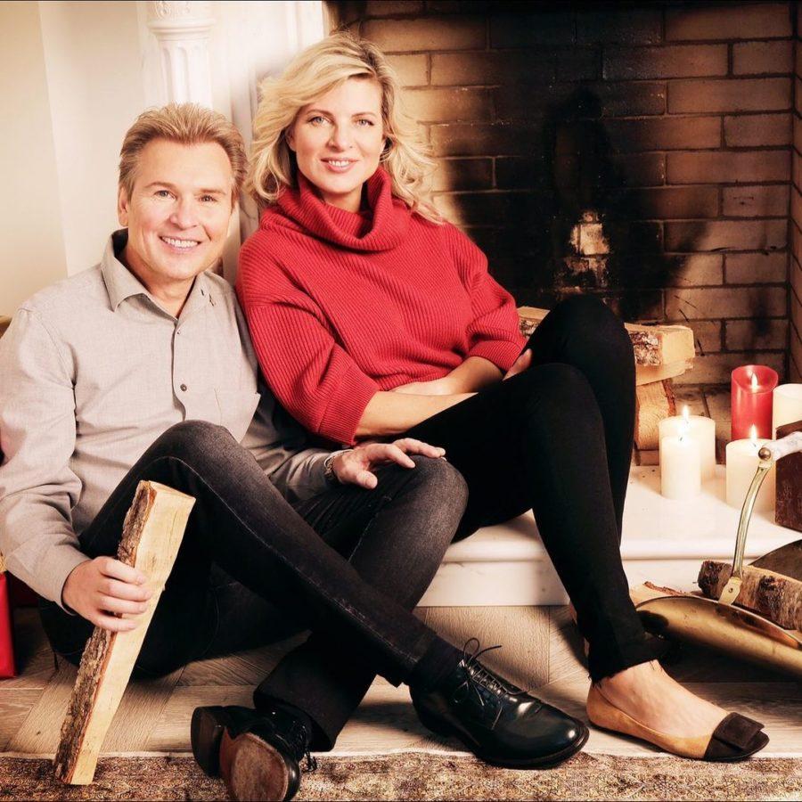Александр Малинин показал, как они с женой проводят зимние вечера