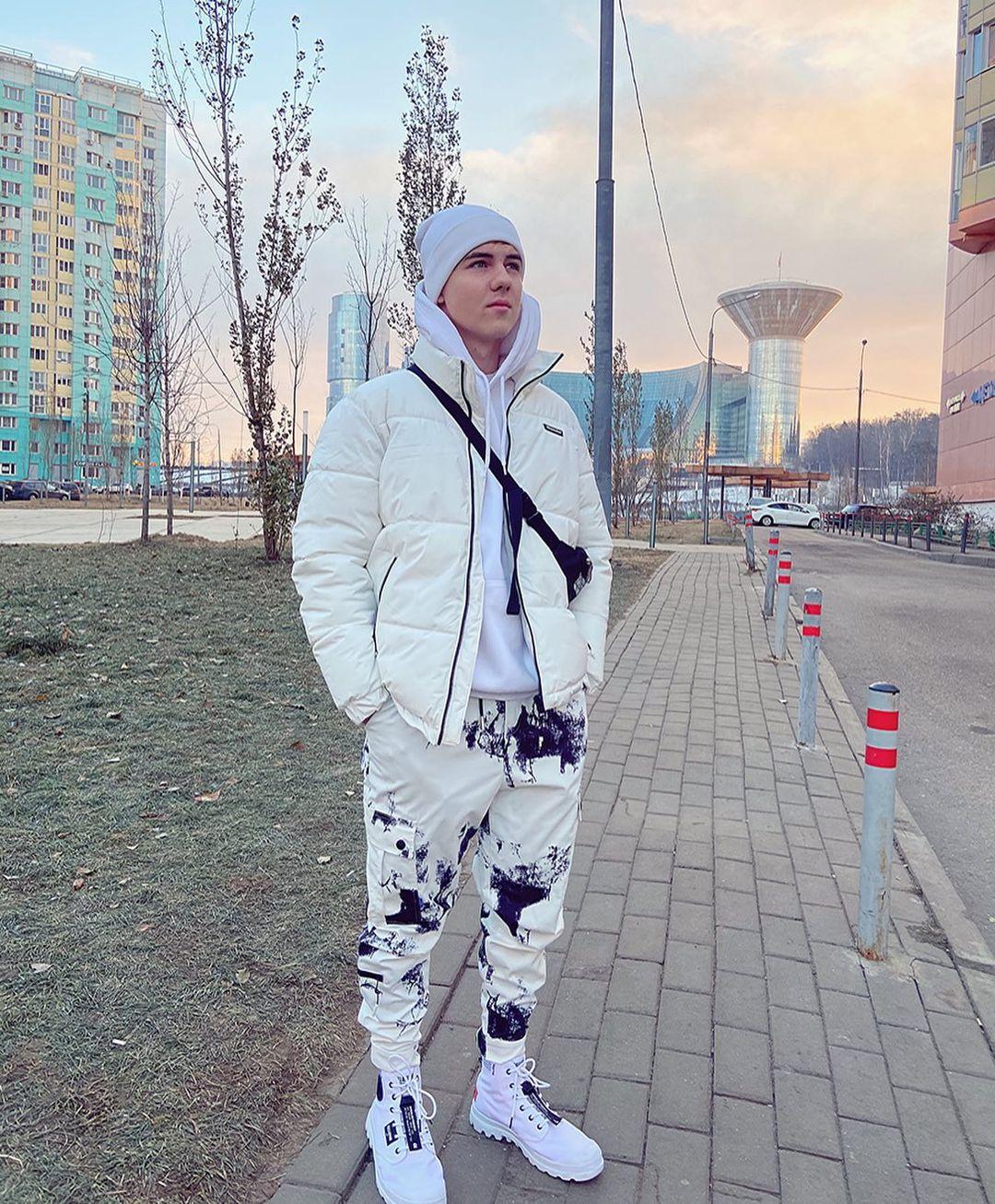 Участник шоу «Голос Дети 3» Кирилл Скрипник выпустил песню «Если бы»