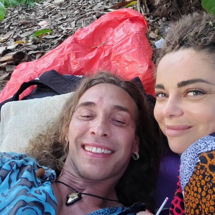 Наташа Королёва и Тарзан выпустили песню «Гори, гори»