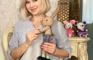 Певице Натали подарила зайчика Вову