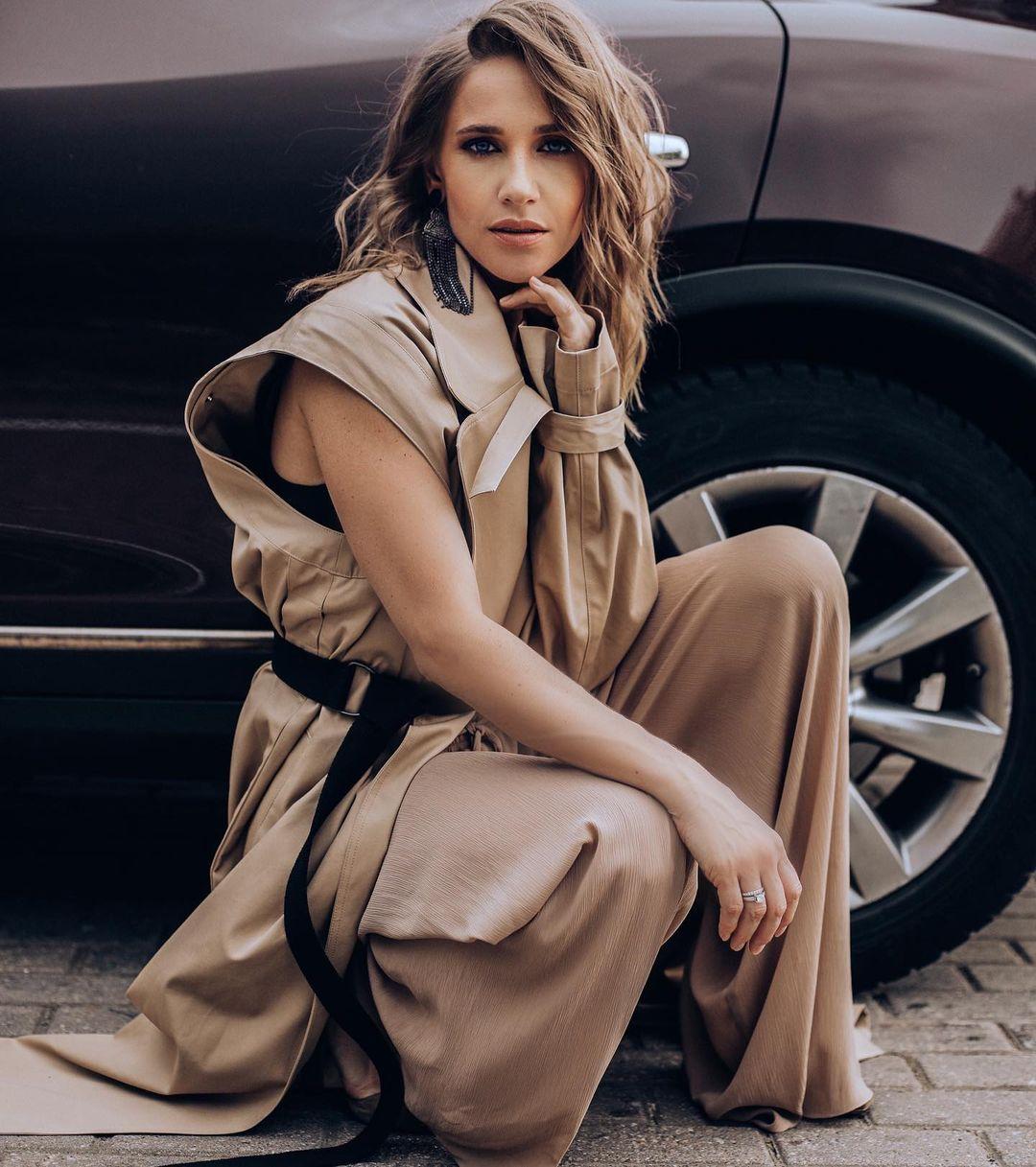 Юлия Ковальчук выпустила песню «Пока»