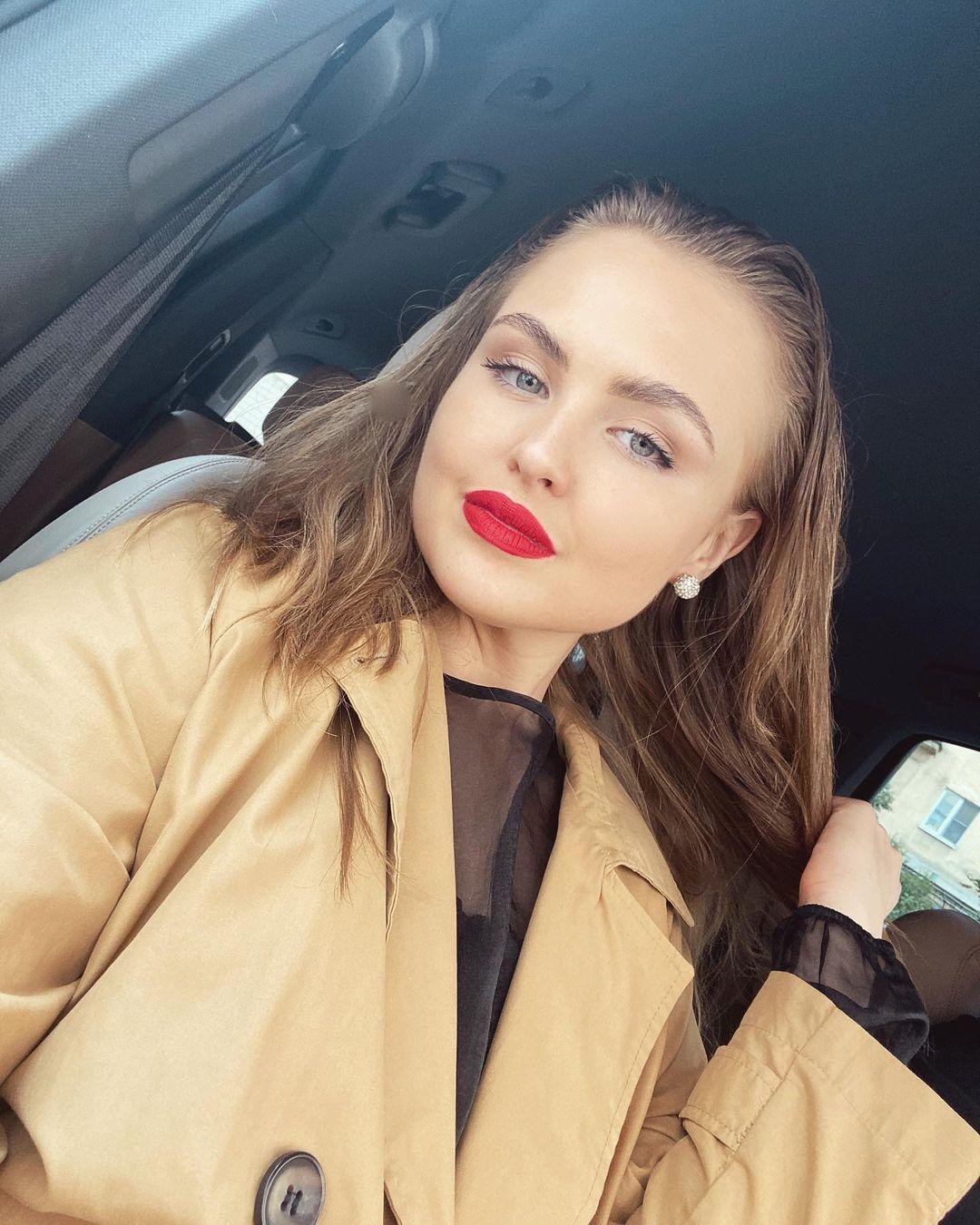 Катя Елисеева выпустила танцевальную песню «Кап-Кап»