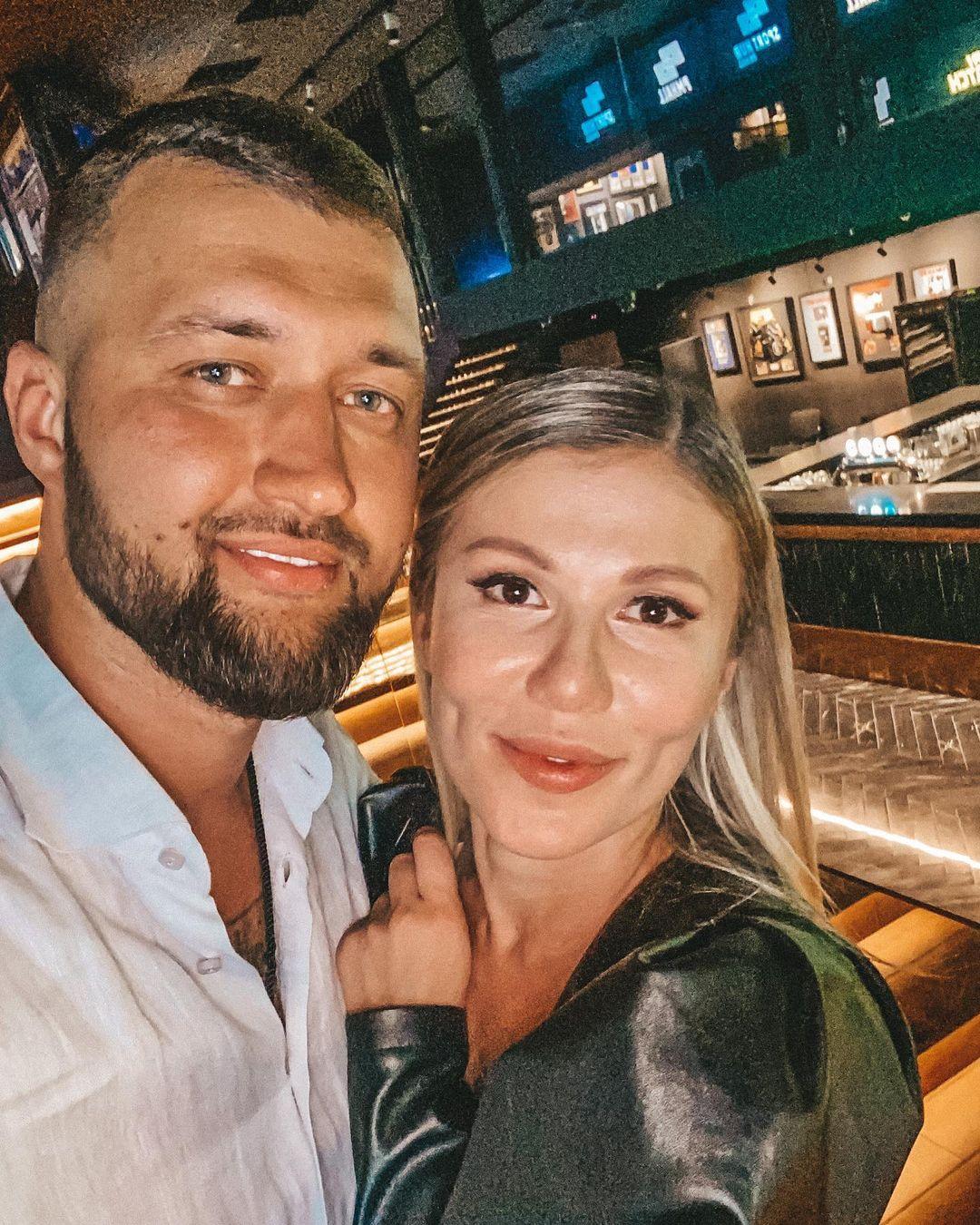 Тамерлан и Алена выпустили новую песню «Святая Вода»